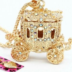 BETSEY JOHNSON~ Princess Carriage 3D Necklace